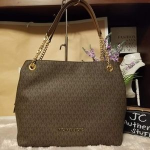 Michael Kors jet set item large chain shoulder bag
